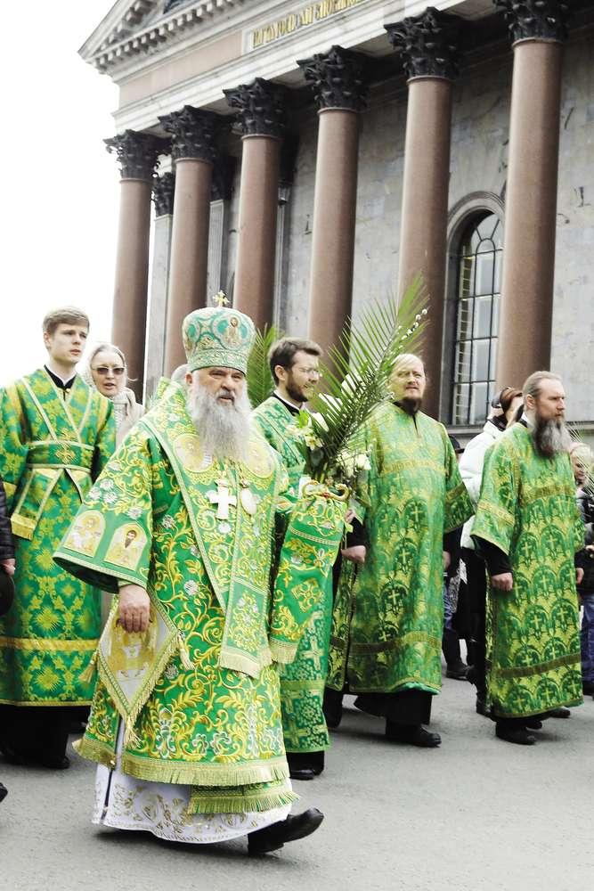 митрополит Санкт-Петербургский и Ладожский Варсонофий (второй слева). Фото Интерпресс